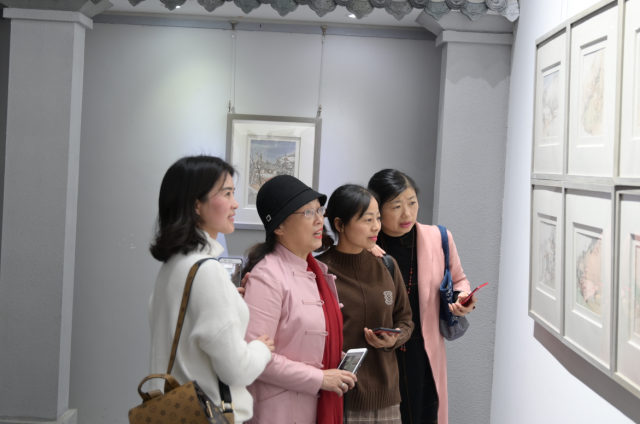 """用中国画绘""""巴楚新语"""" 安一辉画展在宜昌美术馆开幕"""